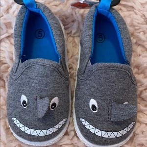 NWT toddler boy shark shoes